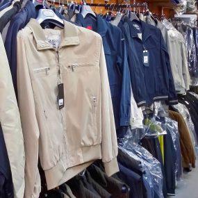 Abbigliamento a prezzi da Stock